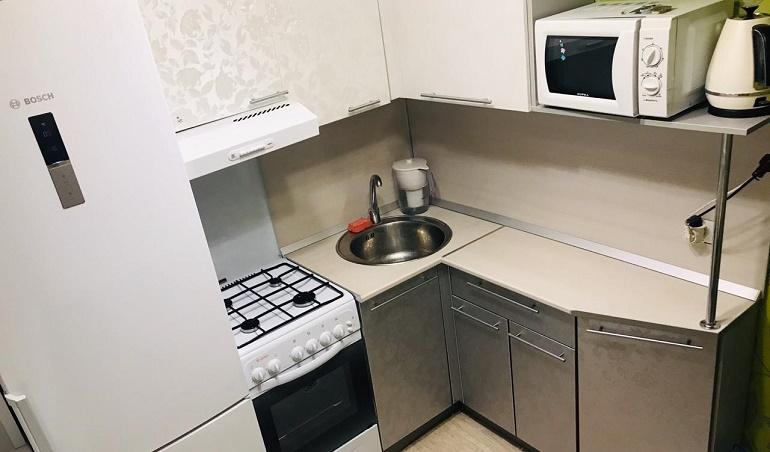 Куда поставить холодильник в хрущевке и какой лучше выбрать
