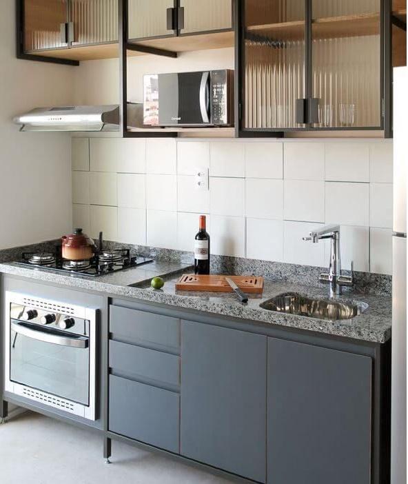 Какой может быть маленькая прямая кухня 2 метра в хрущевке? Рекомендации дизайнеров по планированию